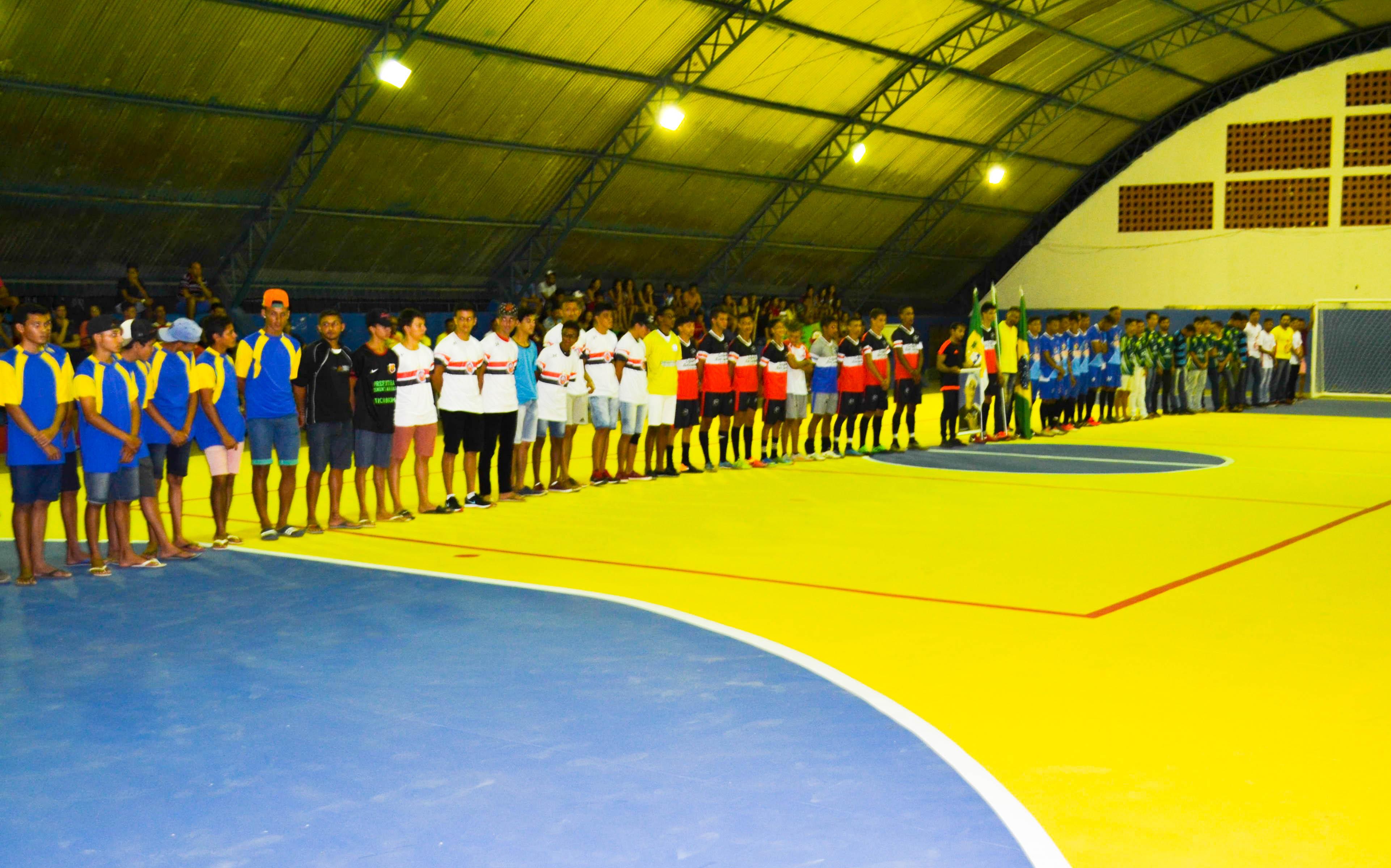 A Prefeitura realizou a abertura da primeira edição do Campeonato Municipal de Futsal (Taça Ricardo Cardozo).