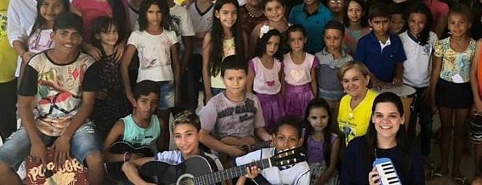 As Crianças e Adolescente do SCFV Centro e Vila Mata estão participando do Projeto Primeiros Acordes