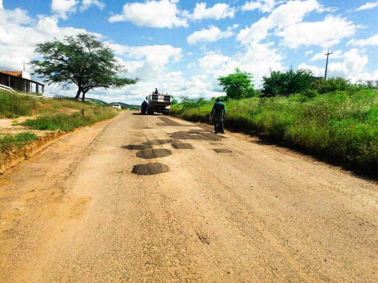"""O Governo do Estado em parceria com a Prefeitura Municipal de Tenente Ananias/RN deu continuidade a """"Operação Tapa-Buraco"""""""